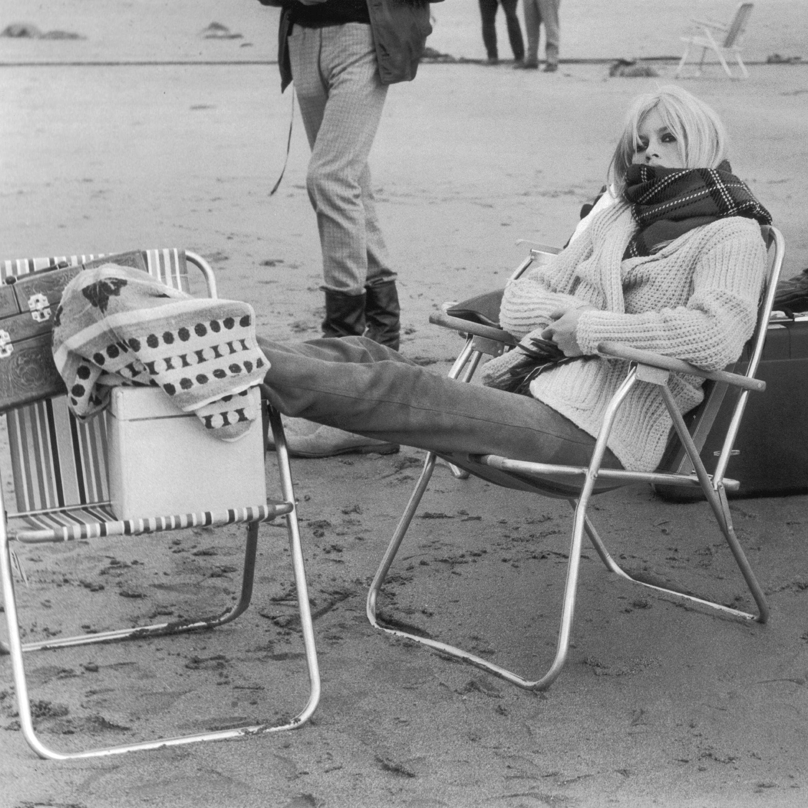 brigitte bardot during a film shooting in scotland 1966